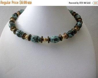 ON SALE Vintage BOHO Robin Blue Speckled Choker Wire Necklace 121116
