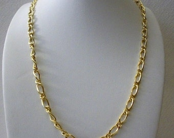 ON SALE Retro Rich Gold Tone Links Metal Necklace 121316