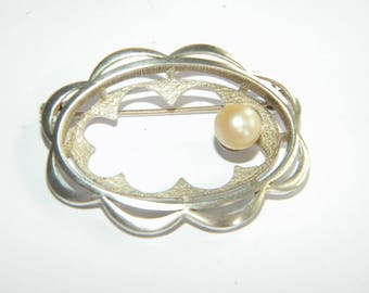 Beautiful vintage brooch cultured PEARL silver sterling stamped - inA2849