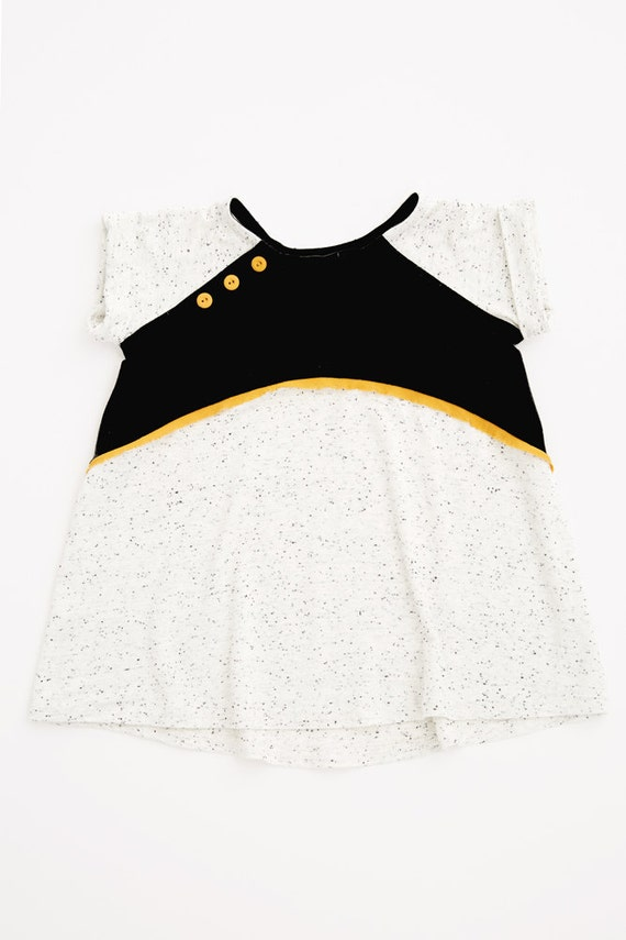 PIQUE-NIQUE - oversize tunic with shorts sleeves - black and textured white
