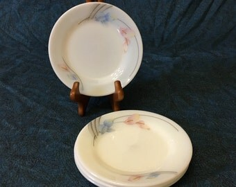 Vintage Pearl Stone Pink Calla Lily Milk Glass Bread and Butter Plates From Jin Woo, Set of 4