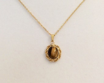 """Vintage Tigers eye gold overlay pendant, tiger's eye stone pendant, 5/8"""" gold overlay pendant with an 18"""" gold overlay link chain."""