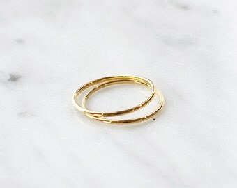 C1005 - New Set of Two Thin Classic Stainless steel Size 4 Midi Rings