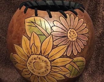 Flower design gourd art bowl