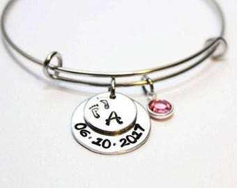 mothers bracelet, personalized mothers bracelet, mothers initial and date bracelet, mothers bangle, mothers jewerly, new mothers gift