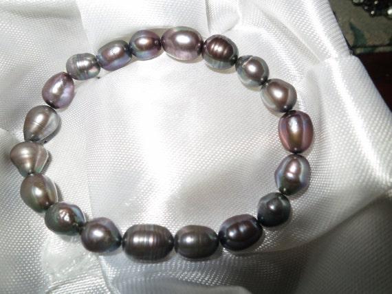 Lovely genuine freshwater black pearl bracelet