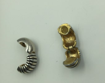 Two Tone Gold / Silver Ribbed Magnetic Earrings    BUY 3 Get 1 FREE