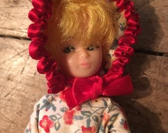 1950s doll - vintage dolly - plastic doll - kitsch doll - kitsch 1950s - toy doll