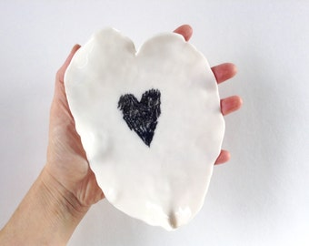 Porcelain plate, ceramic plate, dish, heart dish, catch-all dish, ring dish, jewelry dish