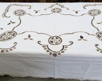 Vintage Ivory Embroidered Battenburg Lace Tablecloth. Embroidered Linen Tablecloth with Batternburg Lace. Large Oblong Tablecloth. RBT1817