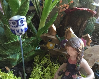 Miniature Blue Owl Stake, Fairy Garden Stake, Miniature Garden Art, Fairy Garden Yard Art, Terrarium Owl Stake, Flower Pot Stake