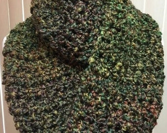 Green and Brown Scarf, Crochet Scarf, Green Scarf, Chunky Scarf, Infinity Scarf, Fuzzy Scarf, Gifts for Her, Winter Scarf, Circle Scarf