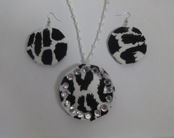white and black fabric print jewellery set/Eco friendly
