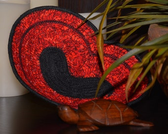 Fabric Rope Coiled Basket: Heart Red, Black - key/coin tray