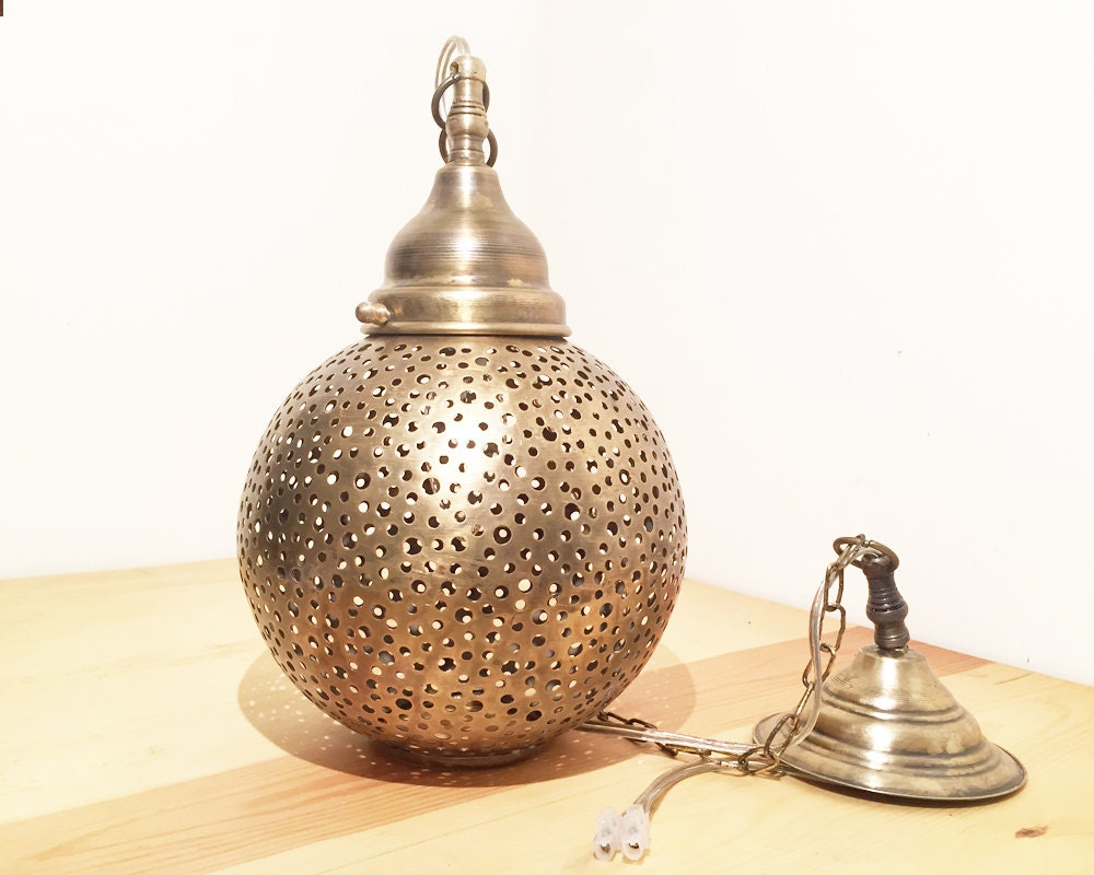 lampe marocaine fait main unique cuivre dor. Black Bedroom Furniture Sets. Home Design Ideas