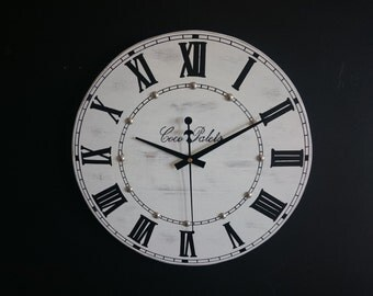 Clock for wall made on a piece of wood. Ref: 023