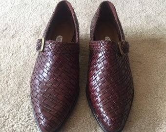 Vintage women's shoes, size 7, leather shoes, woven leather, Nicole brand