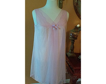 Beautiful Vintage Vanity Fair Baby Doll Made of Chiffon and Floral laced Applique  Size Small Pink Mini Gown