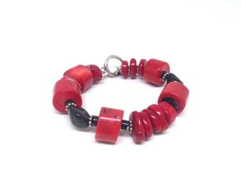 Gorgeous Estate Red And Black Silver Tone Coral Bracelet