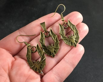 Vintage Bronze Toned Vampire Bat Pendant Necklace And Earrings Jewelry Set