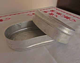 Vintage Aluminum Canister, Aluminum Lunch Box, Sandwich Box, Metal Sandwich Container, Vintage Storage Container, Collectibles Aluminum Box
