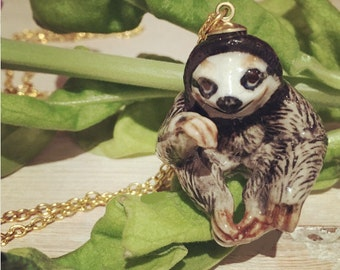 Sloth Necklace, Sloth, Sloth Jewellery, sloth jewelry, sloth pendant, Ceramic necklace, figurine on a Long Chain