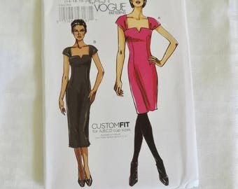 Vogue V8612 Size 14-20 Missed Close Fitted Dress Sewing Pattern / Uncut FF