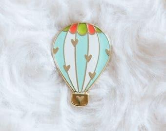 The traveler - pins balloon mint