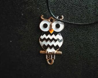 Pendant and necklace, small black and white OWL