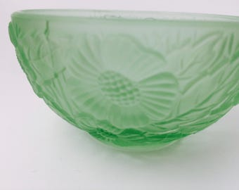 Small Irice Made in Czechoslovakia Green Bowl With Flower Print/Irice/Small Jewelry Dish/Green Glass/Textured Glass/Vintage Glass Bowl