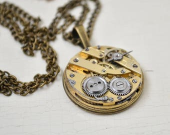 Steampunk round pendant, Industrial neclace, Clockwork neclace, Old gold pendant, Steampunk gift, Vintage Watch Pendant, Swiss movement gift