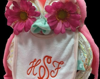 Personalized Owl diaper cake with embroidered baby bib