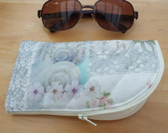 Quilted Sunglasses Case, Eyeglass Pouch, Reading Glasses Zipped Fabric Glasses Holder
