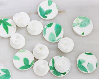 12 Wafer Paper Fondant Cupcake Toppers, Wedding Toppers, Edible Cupcake Toppers, Fondant Toppers, Leaves Cupcake Toppers