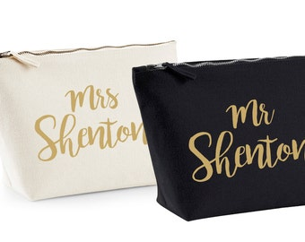 Personalised Mr & Mrs Wash/Toiletry Bags - Ideal Wedding or Honeymoon Gift - Black/Cream/Gold