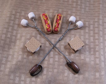 "18"" Doll Food: Smores and Hot Dog for American Girl"