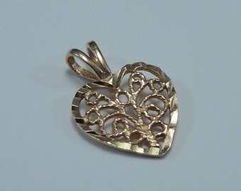 10K Yellow Gold Filigree Heart Shaped Pendant