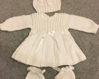 Knitted white baby girl set in size new born
