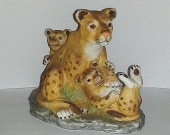 WESTMINSTER Cougar Mountain Lion & Cubs Porcelain Sculpture Figurine Rare HTF