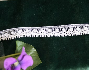 Vintage Delicate Cream-Colored Lace, 3 yards