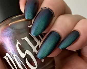 """Unique """"Zionic"""" Chameleon Color Shifting Red - Green Nail Polish Full Size 15ml Bottle"""