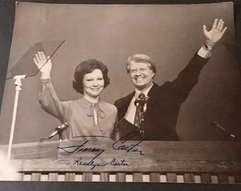 Signed 8x10 black and white photo portrait of President Jimmy Carter and his wife Rosalynn, 1977
