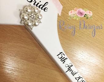 Bridal wedding bridesmaid hanger wmbwllished pearl photo prop