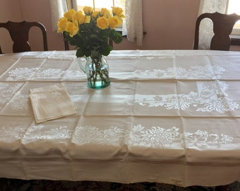 """Vintage 40s or 50s NEW NEVER USED Cream Damask Tablecloth & 8 Cloth Napkins 60"""" x 90"""""""