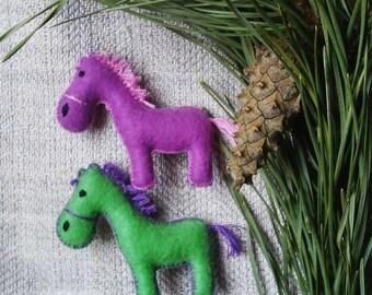Horse Felt Brooch, animal handmade horse brooch, horse pin, gift for her,  gift for women, horse lovers gift, horse jewelry
