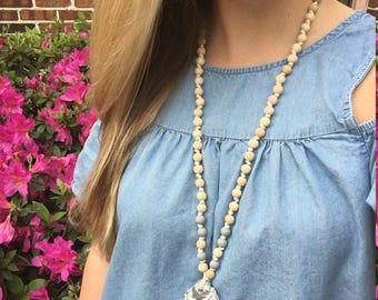 Belle - Oyster Necklace