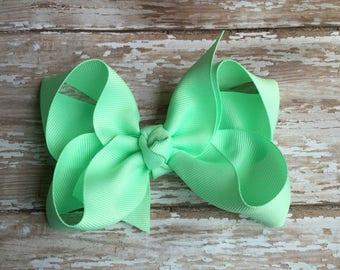 Mint  boutique hair bow, 4 inch bow, spring hair bows, summer hair bows, 5 inch hair bow, green hair bow, boutique hair bow