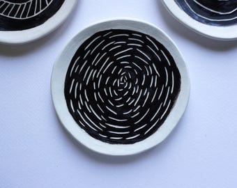 Handmade Decorative Minimal White and Black Ceramic Dish