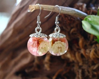 Earrings resin nature pastel flowers ball