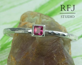 Square Synthetic Ruby Hammered Silver Ring, 2x2 mm Princess Cut Pink Corund Ring Square Setting July Birthsone Stacker Pink Promise Ring